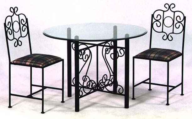 French Traditional Dining Table Set